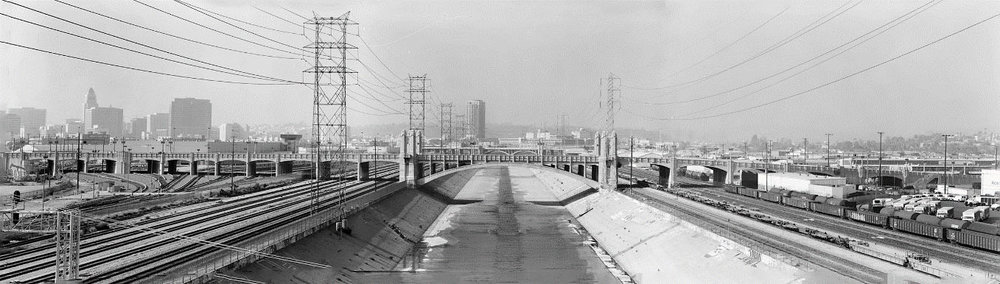 Fourth Street Viaduct (looking northwest), 2001 (Photo Library of Congress, Historic American Engineering Record Fourth Street Viaduct, HAER No. CA-280)