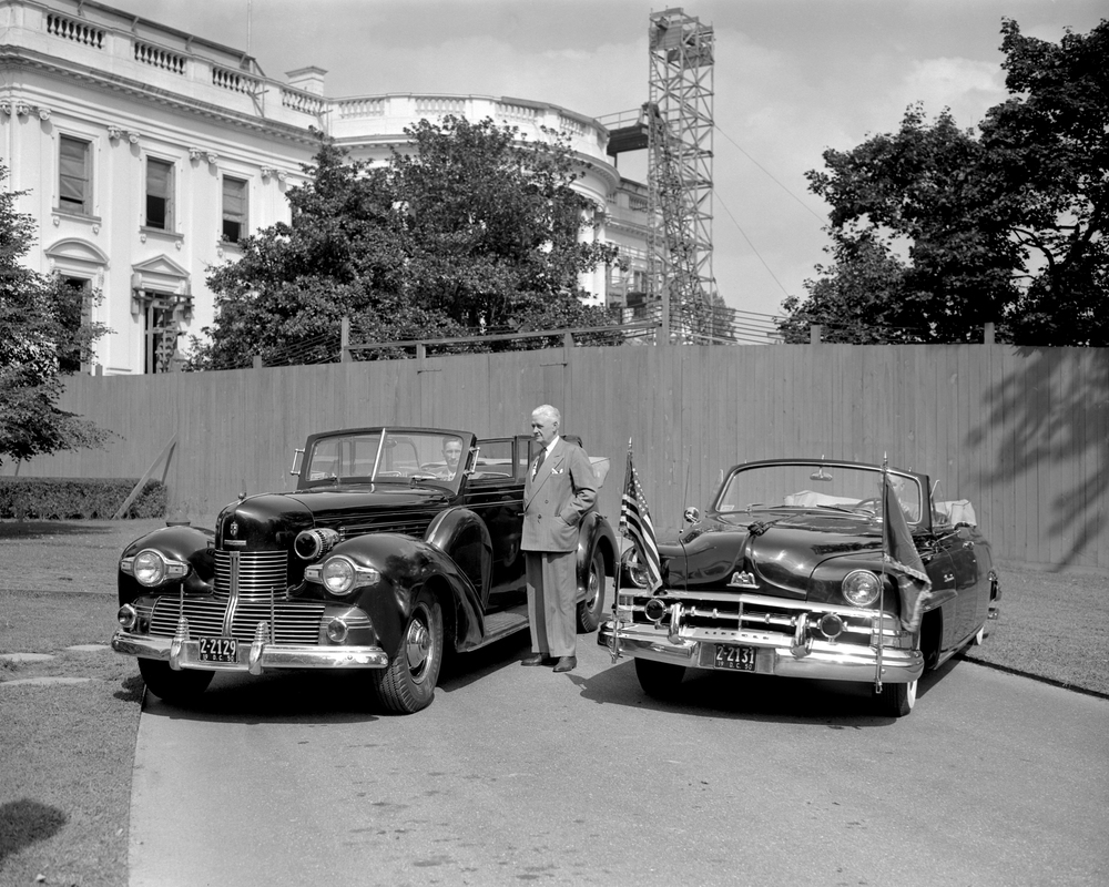 1950 and 1939 Lincoln Presidential Convertibles neg 93695.jpg