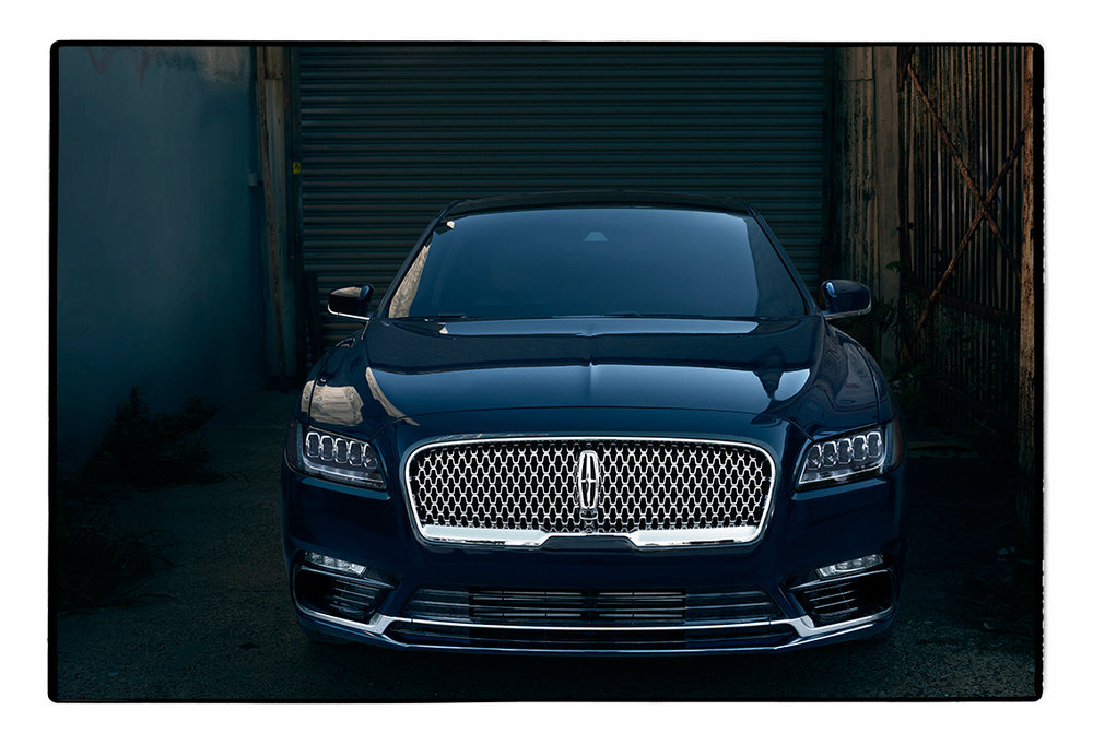 Annie_Leibovitz_2017_Lincoln_Continental_Shoot_Principal_10.jpg