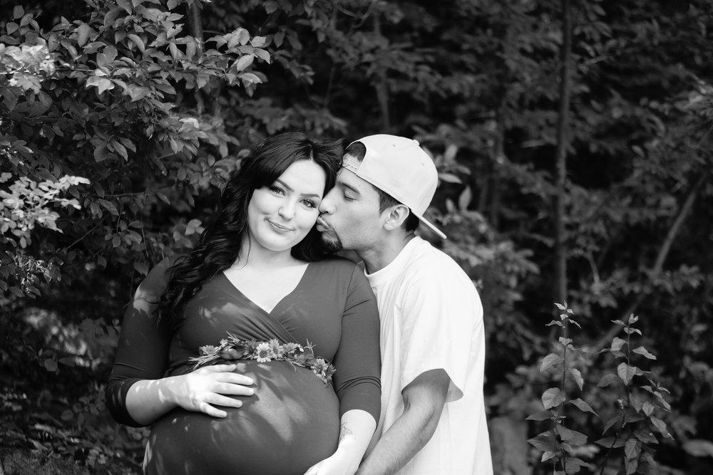 Rebecca & Matt Maternity B&W (106).jpg