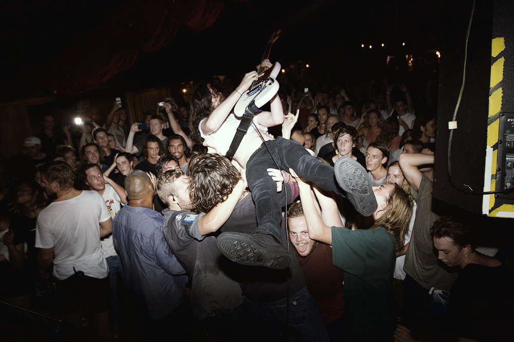 DZ-Crowd-Surf.jpg