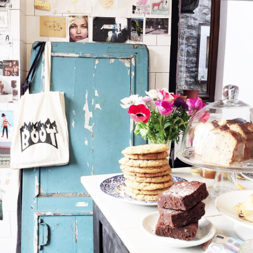 Boot Café               19 Rue du Pont aux Choux,             75003 Paris