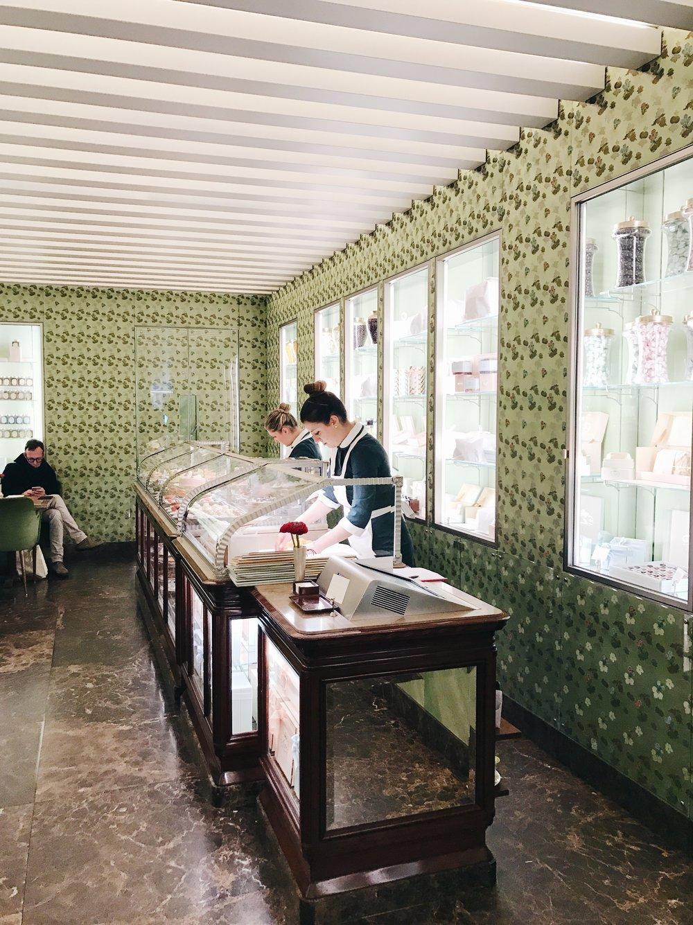 Pasticceria Marchesi                       Via Monte Napoleone, 9