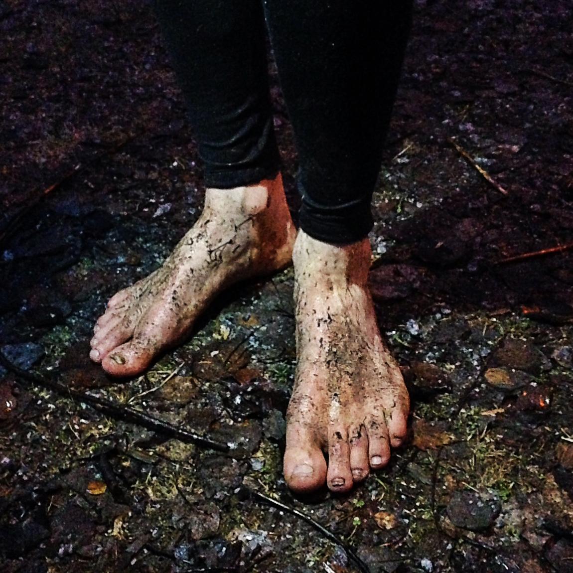 Barfota utan strumpor och skor — Pace on Earth