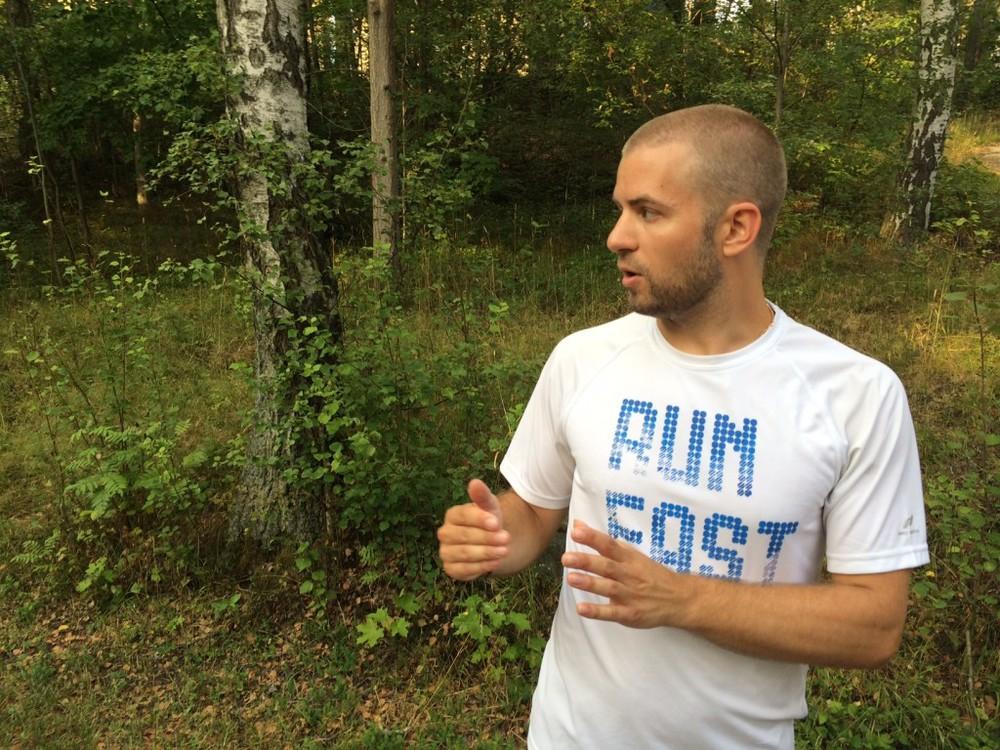 En sprinter instruerar en ultralöpare