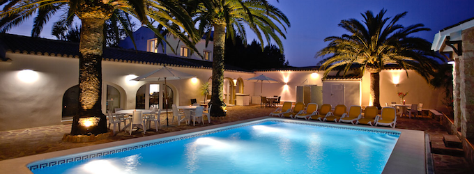 La Finca - vår egen privata resort med uppvärmd pool