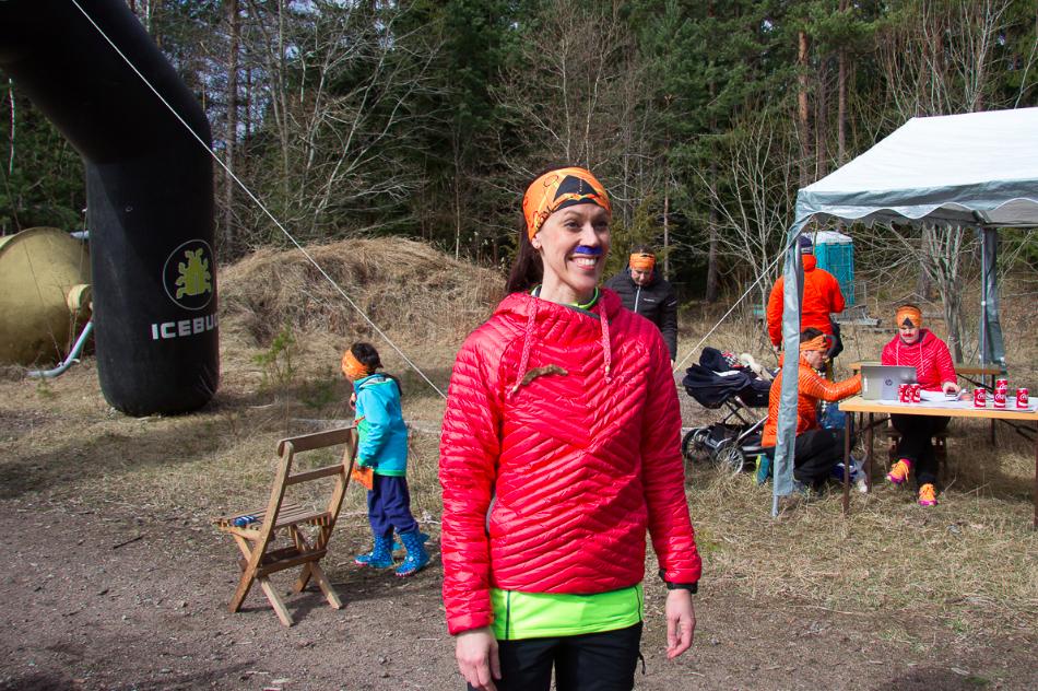 Josefin Forsell från Bergslöparna i snygg blå mustasch! Bild från TOM 2016,  Bergslöparna