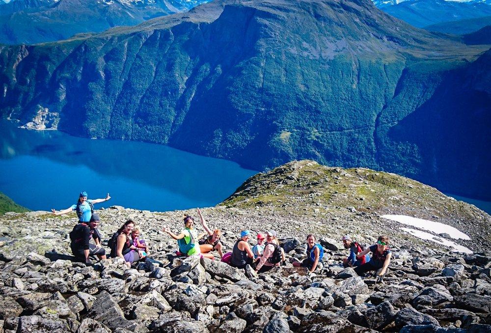Vila på väg uppför den första långa stigningen på ca 1000 höjdmeter.Foto Samantha Karlsson