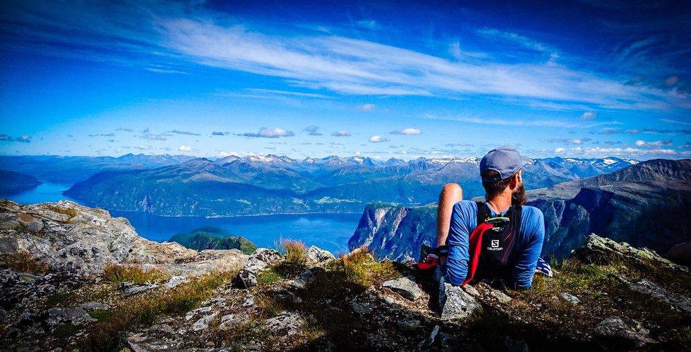 Välförtjänt vila på toppen. Foto Samantha Karlsson