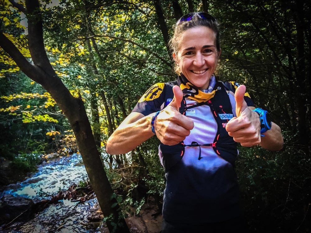 Världsstjärnan  Núria Picas  som nu senast vann UTMB och kommer delta i vårt  Montserrat-läger i oktober  lyssnar på opera när hon tävlar i ultra!