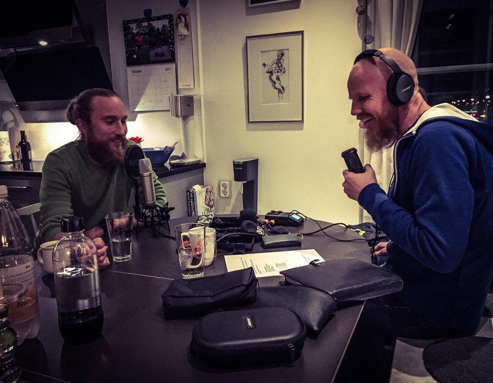 Johan Steene - Lyssna också på vårt första avsnitt med Johan Steene där vi pratar om drivkrafter till att springa ultra, och Johan berättar om varför han strävar så intensivt efter att vara en liten ynk.