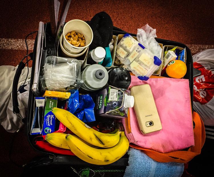 Fredrik Forsströms  smarta lilla kabinväska som är färdigpackad med energi, vätska och tabletter av olika slag. Allt ligger i praktiska små fack. Från Personliga Rekordens Tävling 2017.