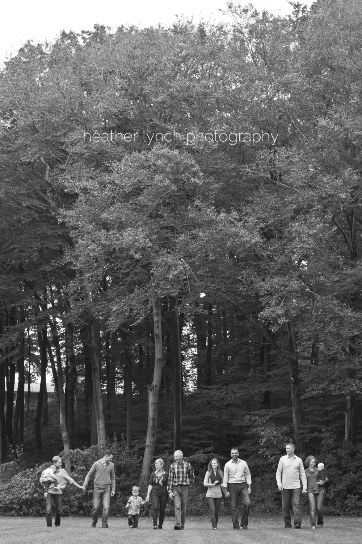 London Ontario photography, London Ontario natural light photography, London Ontario family lifestyle photography, London Ontario portrait photography, Heather Lynch Photography, photographed by heather Lynch, sibling photography, family of five, London Ontario Photographer, London Ontario large family photography, London Ontario extended family photography, adult siblings, laughing, autumn, fall family photos, fun family photography