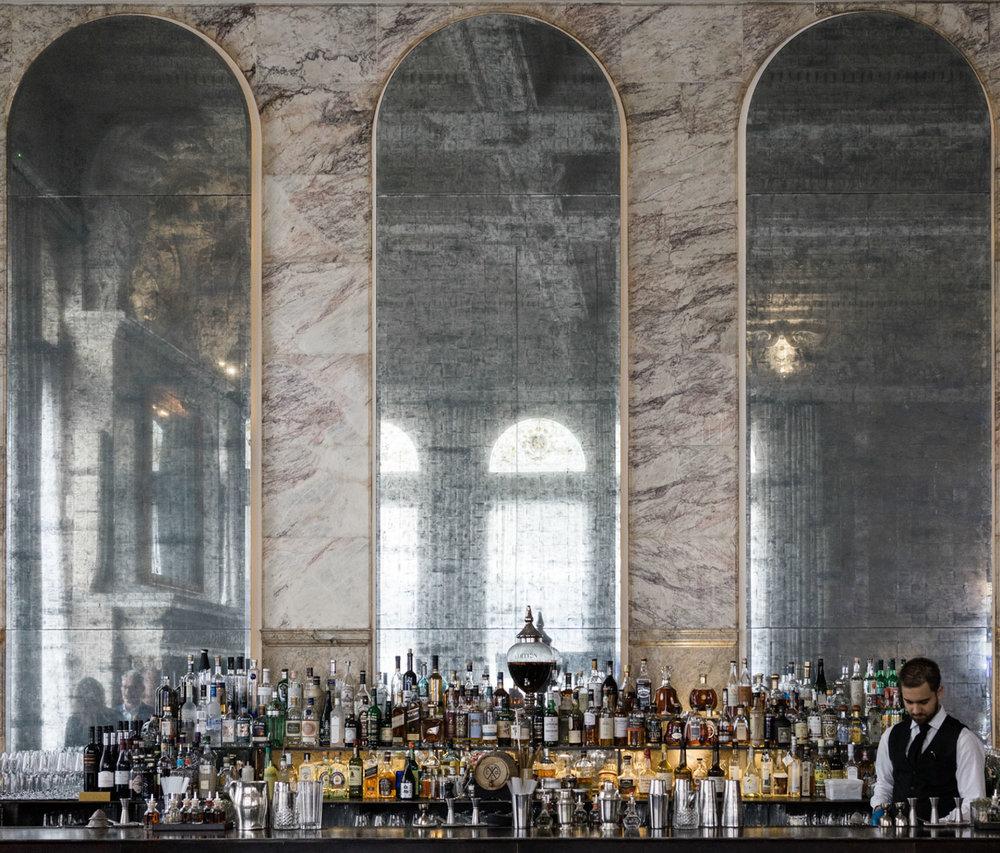 Bar en el hotel London Edition