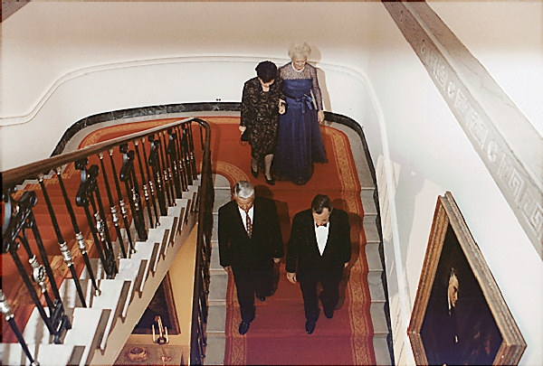 grand-stair-bush1-1992.jpg.647x0_q100.jpg