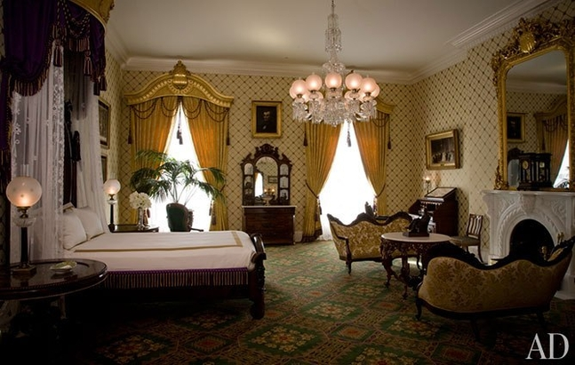 item13.rendition.slideshowHorizontal.white-house-13-lincoln-bedroom-bush.jpg.647x0_q100.jpg