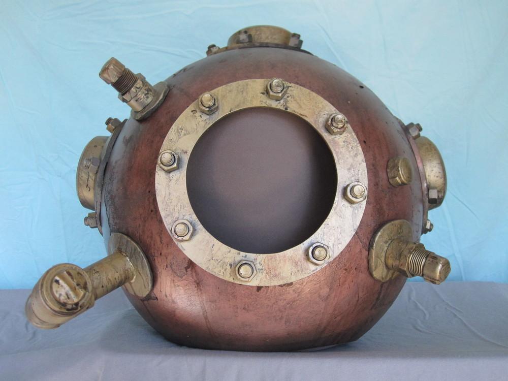 Diver Helmet Image 03.JPG
