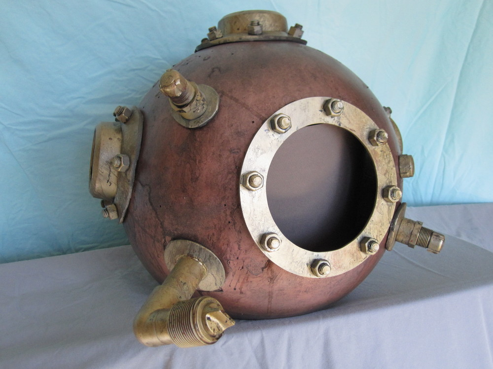 Diver Helmet Image 05.JPG
