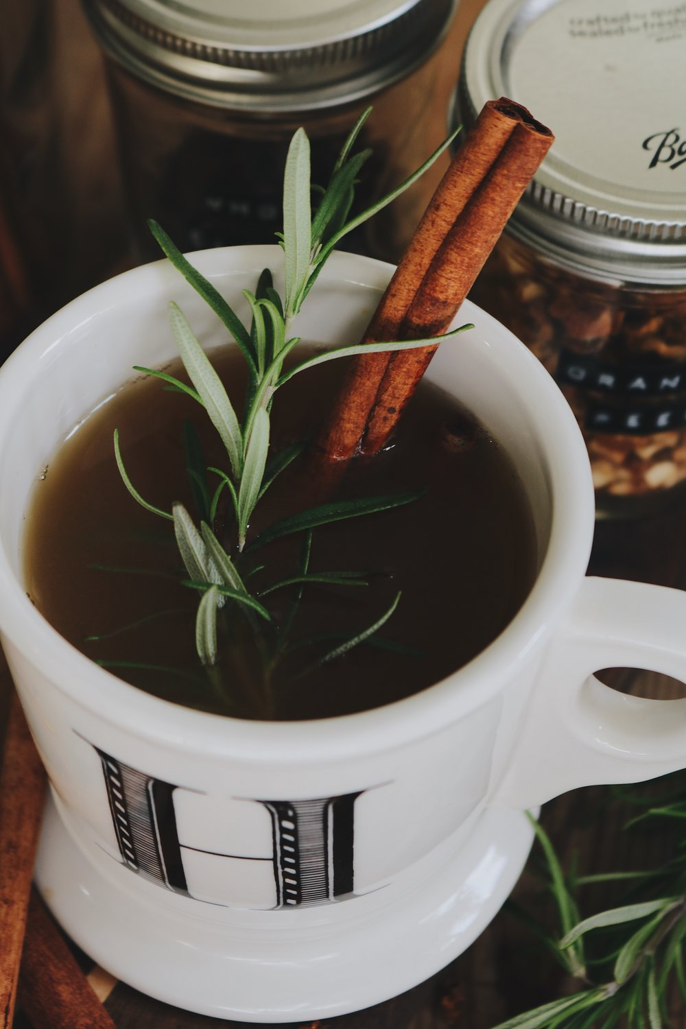 Colonial Kitchen | Mulled Apple Cider - Under A Tin Roof Blog