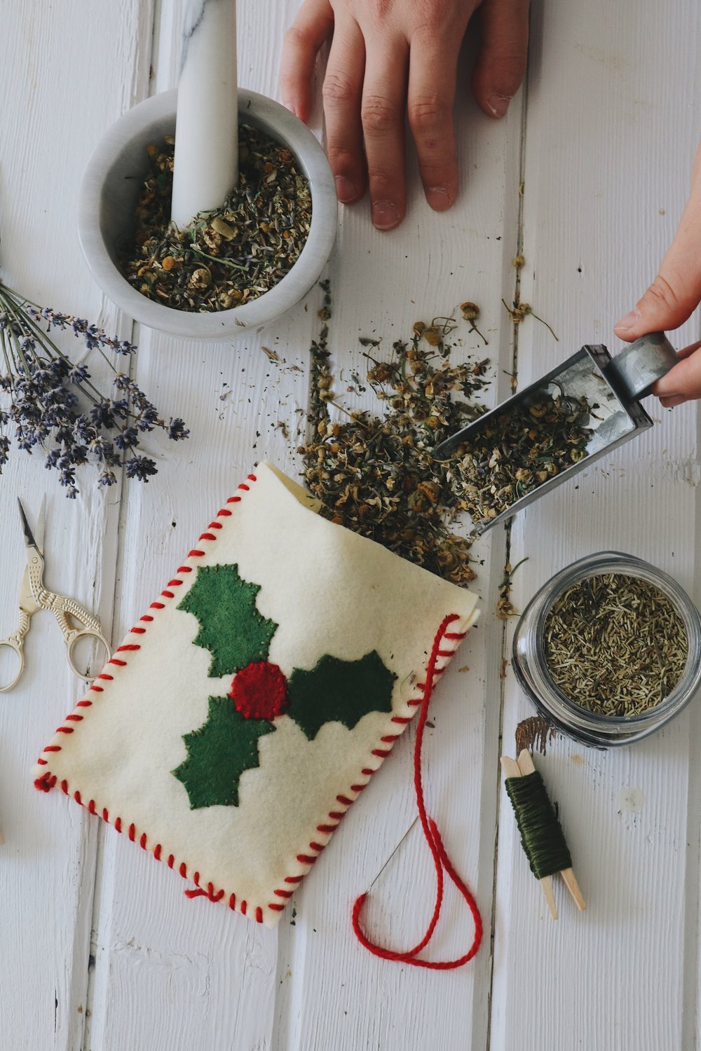 Herbal Interests | DIY Holiday Herbal Dream Pillow - Under A Tin Roof Blog