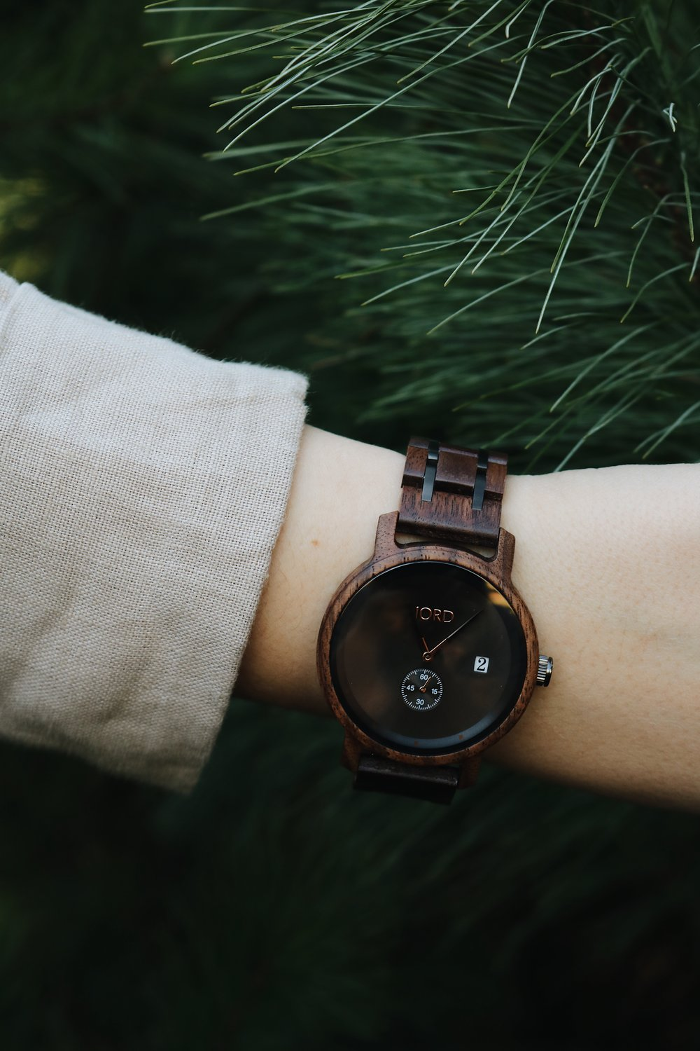 The Perfect Minimalist Accessory with JORD Wood Watches - Under A Tin Roof Blog