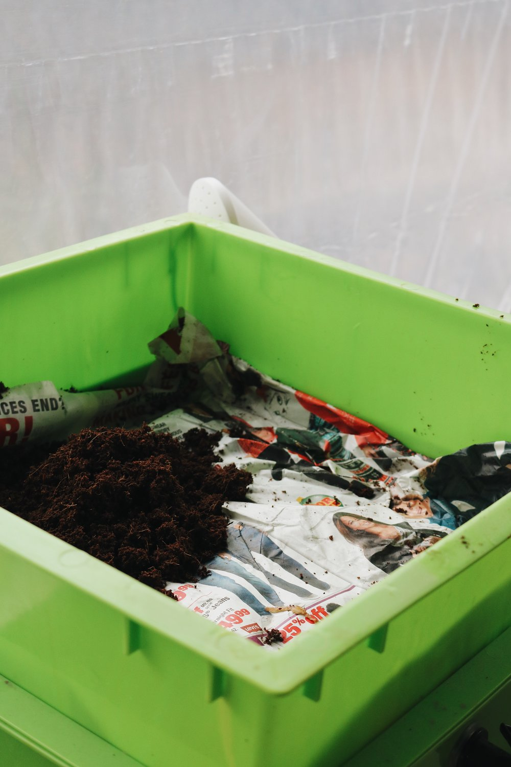 How to Start a Worm Compost Bin - Under A Tin Roof Blog