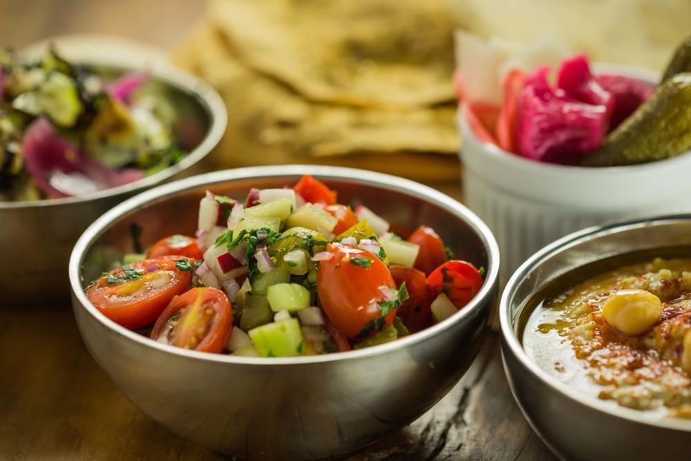Salada picada israeli do AK Vila