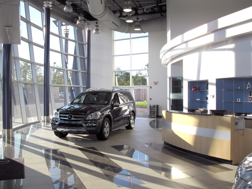 CAR_MercedesShowroom_06.jpg