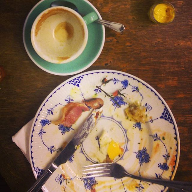 Post brunch pic from top quality Full English @56stjames this morning #e17 #tw