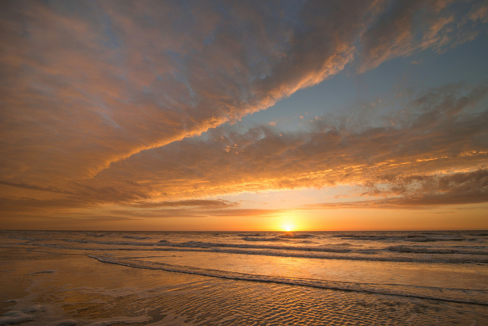 """Cloud Waves - Hilton Head SC"""