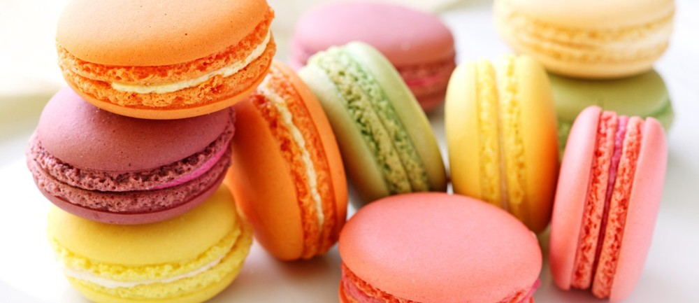 macarons-feature-pic-1136x492.jpg