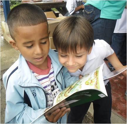Entrega de Bibliotecas Viajeras.jpg