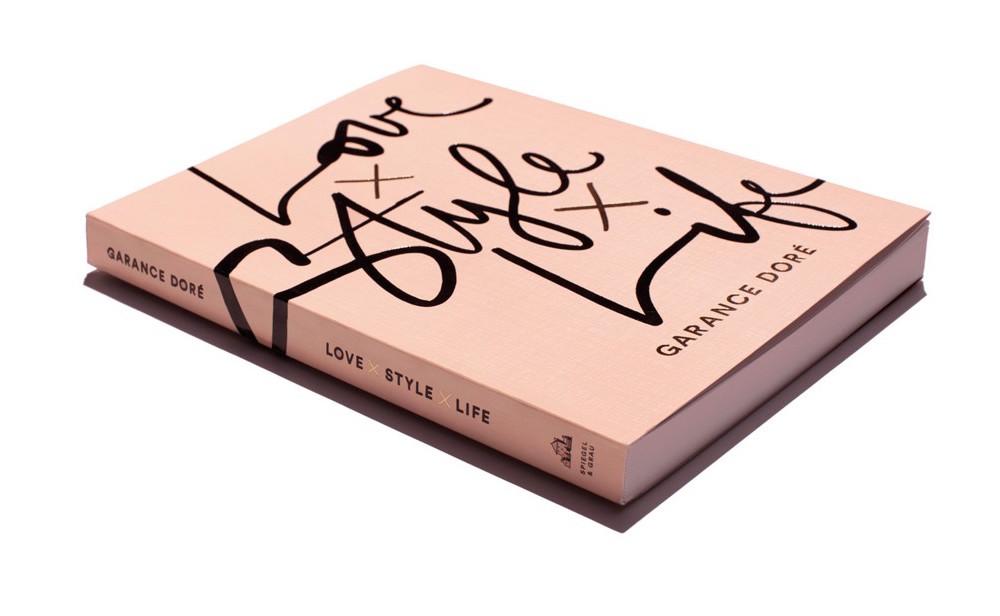 Love x Style x Life by Garancé Dore/viaSpiegal & Grau