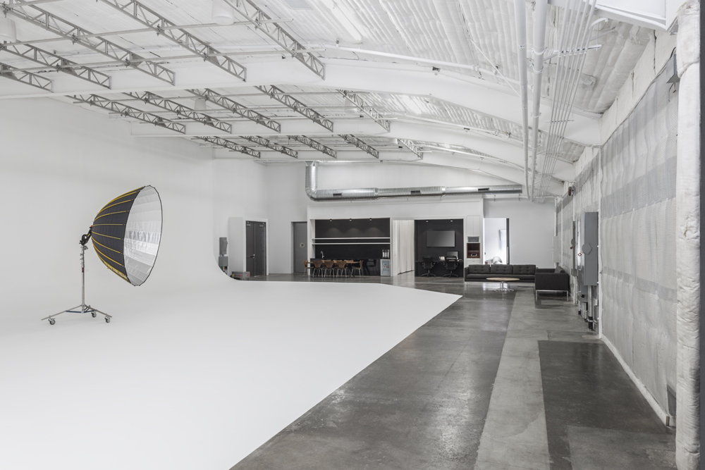 Studio 4: Bigbox, the ultimate in versatility, features 4,000+ square feet of shooting space, a huge cyc, private VIP Lounge, private restroom and state-of-the-art hair and makeup stations.
