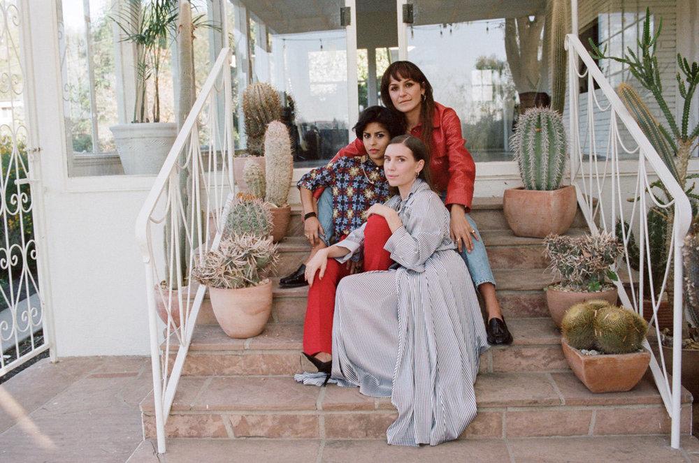 large_yola-mezcal-women-founders.jpg