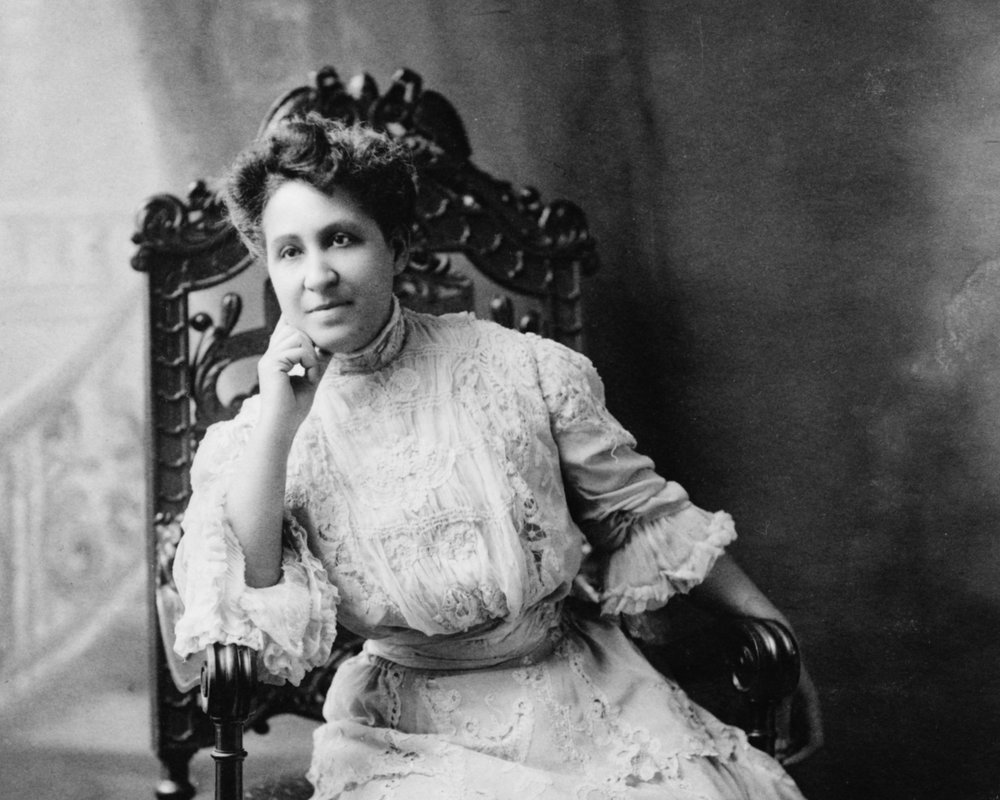 Mary_Church_Terrell%2C_three-quarter_length_portrait%2C_seated%2C_facing_front.jpg
