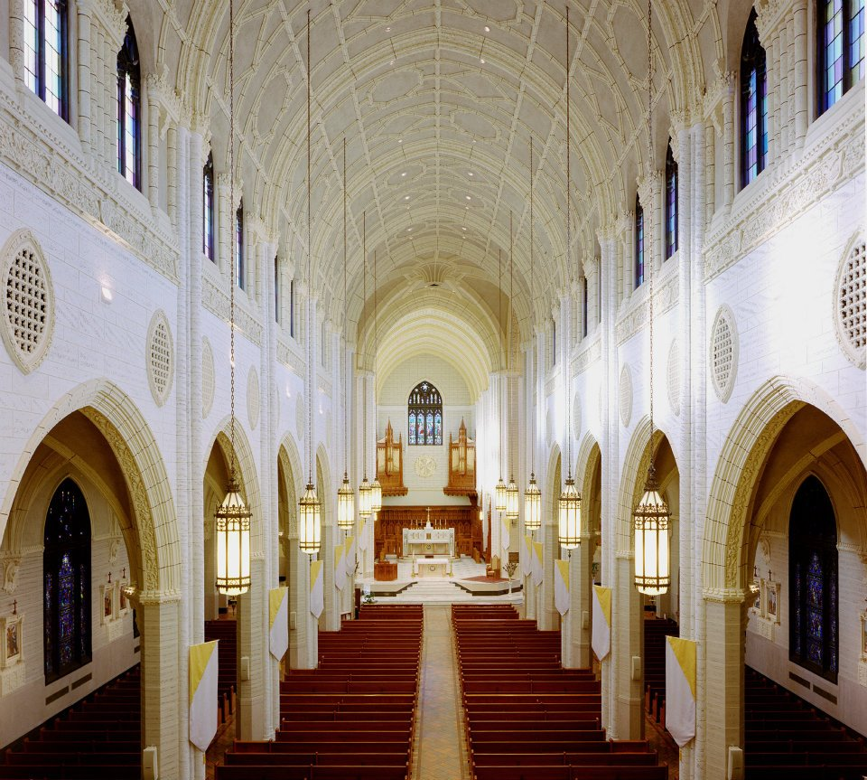 Basilica from choir loft.jpg