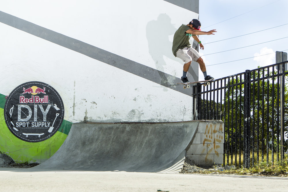 alex-sorgente-ollie-to-tail-stall.jpg