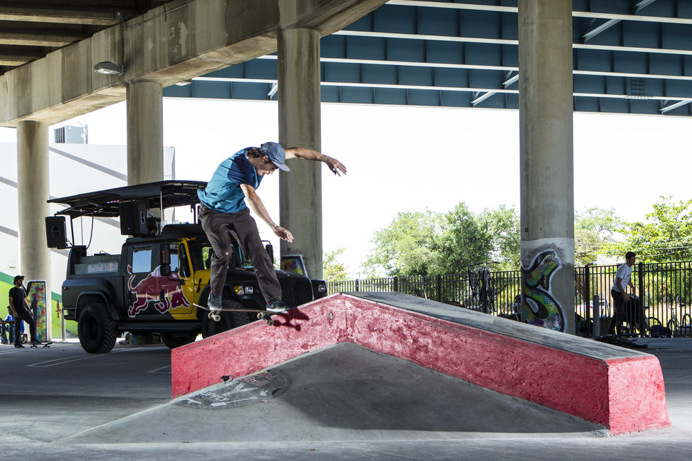 diy-skate-spot-miami-blue-shirt-grind-red-ramp.jpg