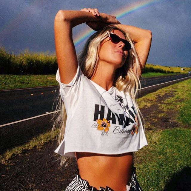 Stretching it out .. contemplating life and rainbows🌈  @billabongwomens @thesaltyblonde