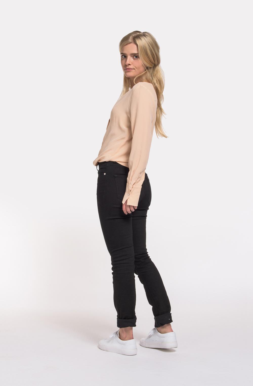 MUD_Jeans_skinny_hazen_clever_black_6.jpg