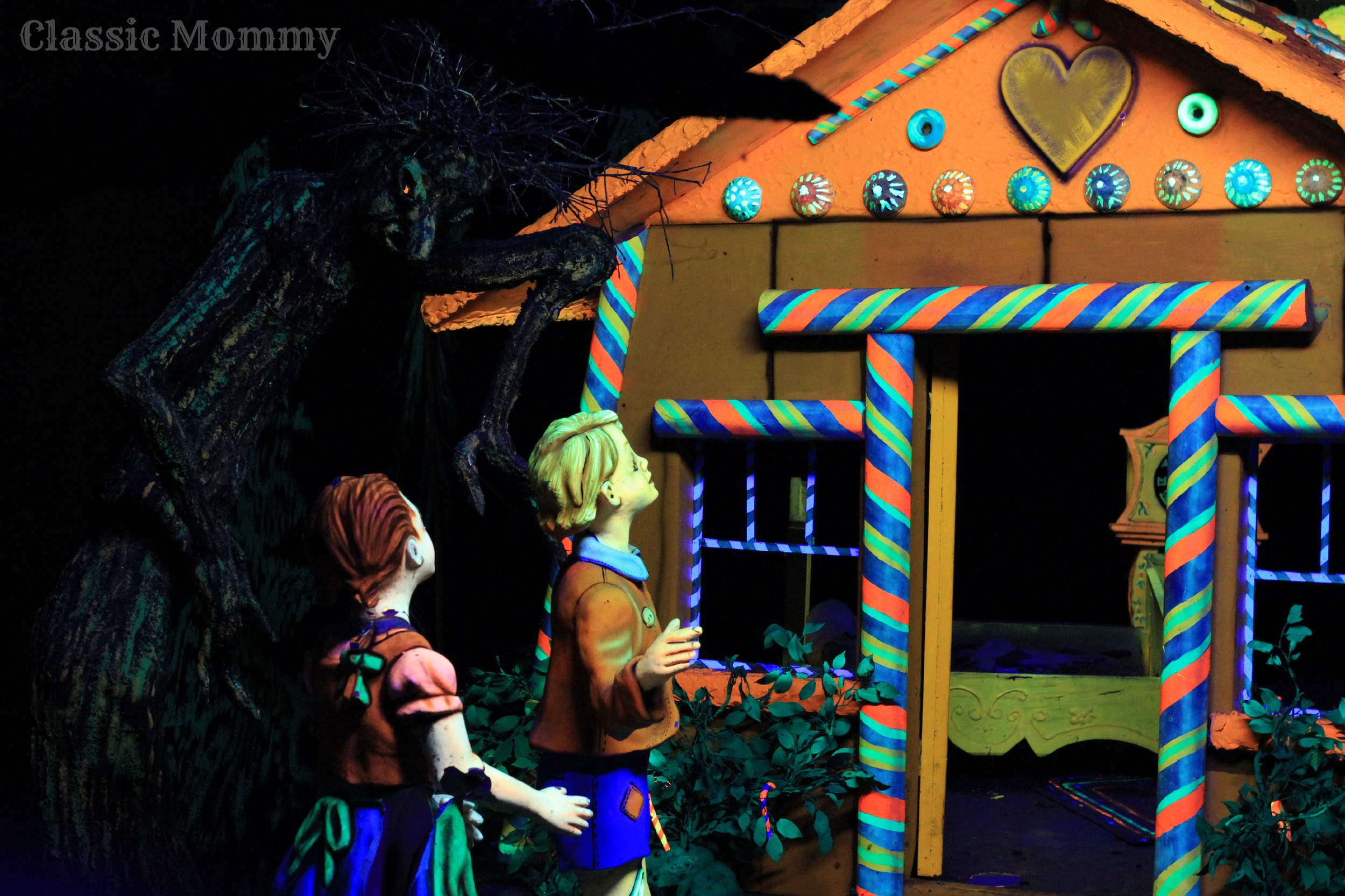 Inside Fairytale Cavern Rock City