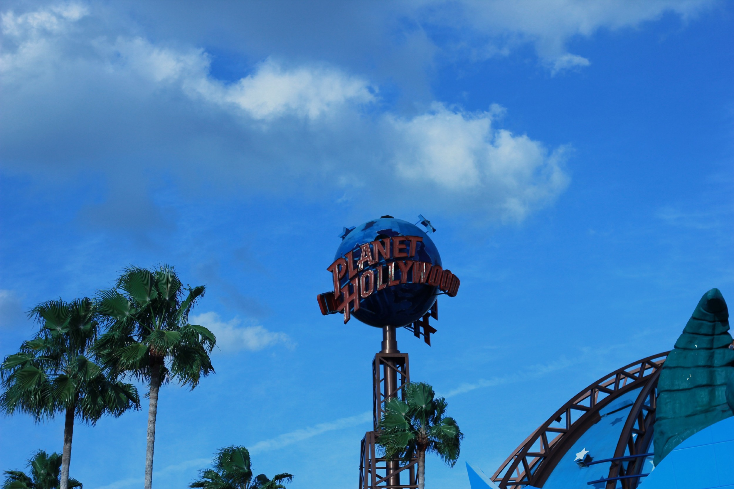 planet-hollywood-disney