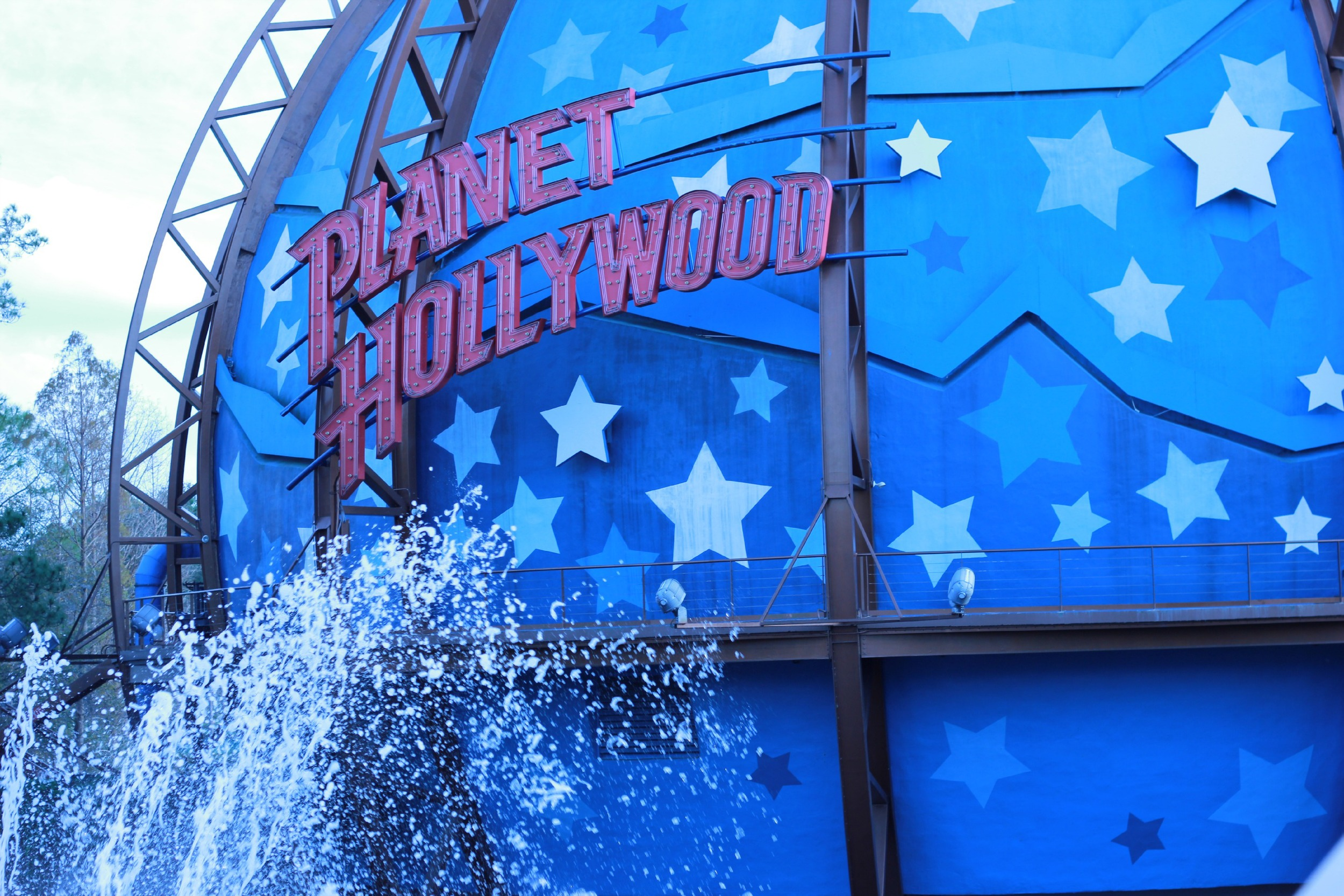 planet-hollywood-exterior