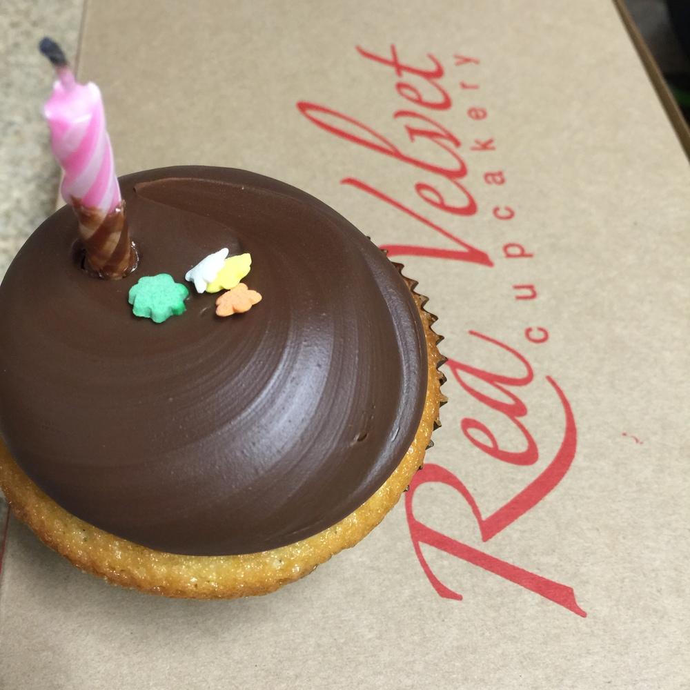 birthdays-cupcakes