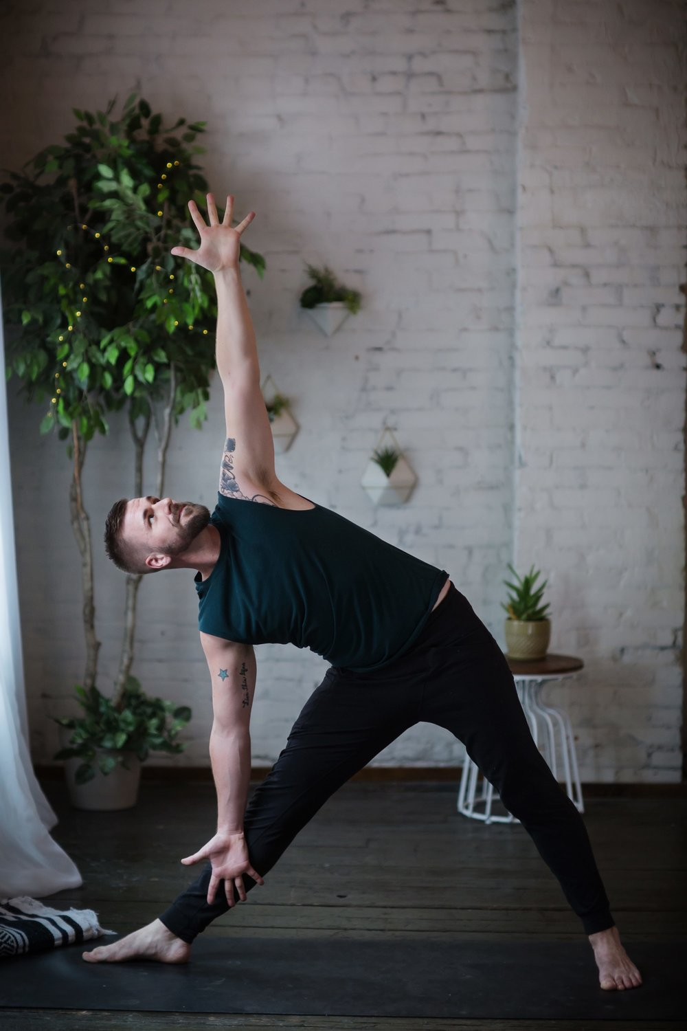 Jesse Davis kansas city yoga instructor