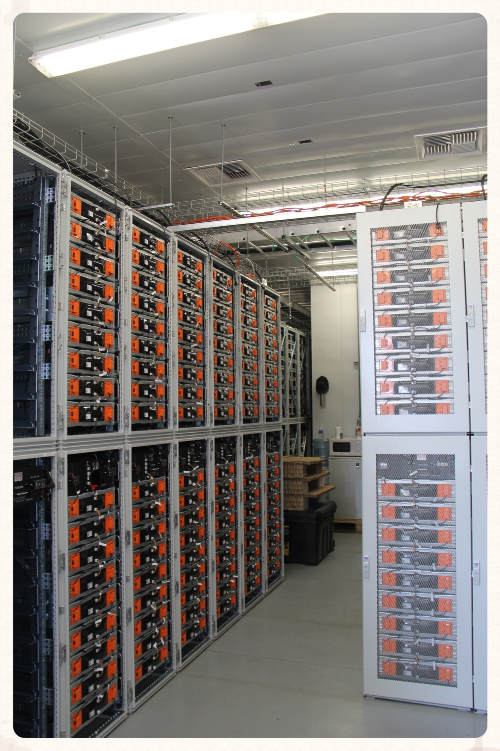 Battery Energy Storage System for Tehachapi Wind Energy Storage Project, California. 2013. (LGCNS)