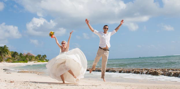 Beach Wedding in Cayman