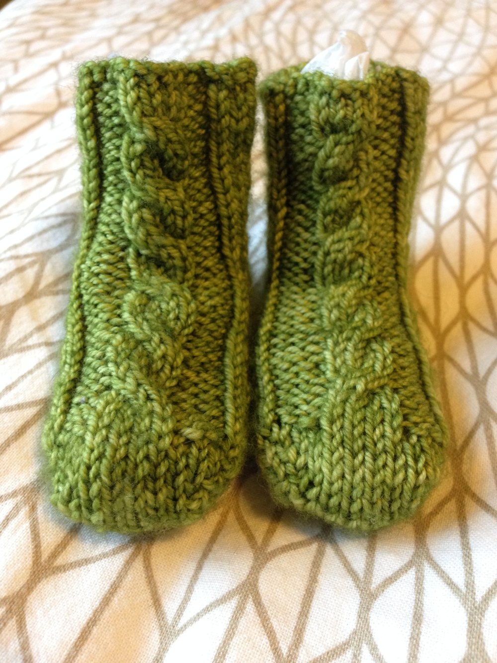 cabled baby socks.JPG