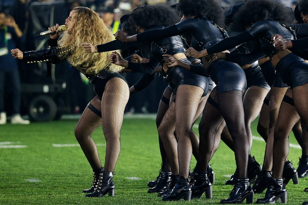 beyonce-super-bowl-performance-christian-louboutin-shoes.jpg